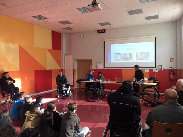 Collège du Val d'Ardières : Intervention science et handicap